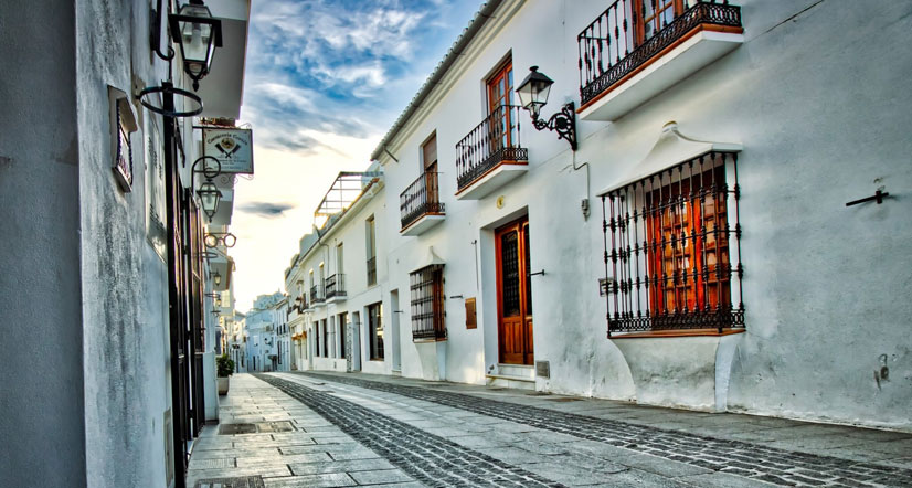 Vital tips on how to survive abroad in Spain