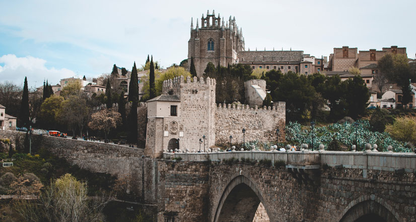Unique Spanish customs to be aware of when moving to Spain